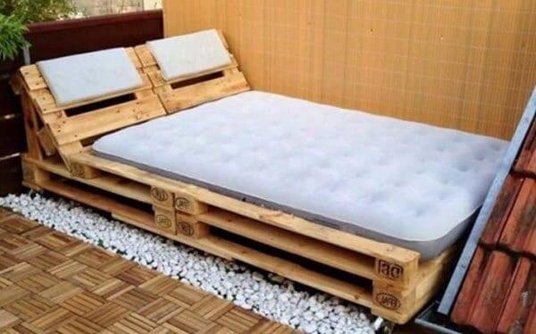 gỗ pallet làm giường