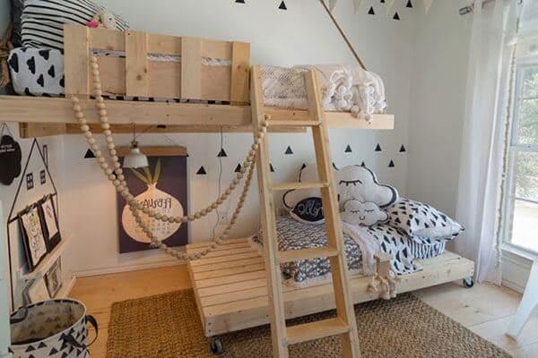 làm giường ngủ bằng gỗ pallet